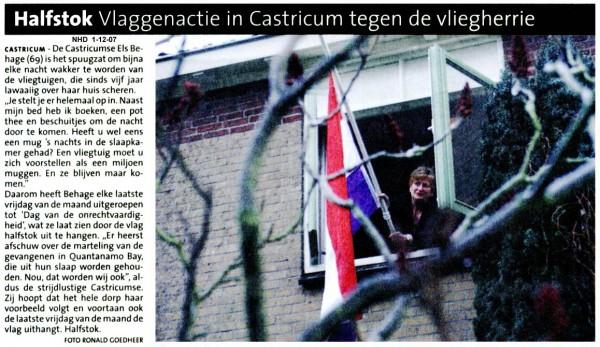 Halfstok  Vlaggenactie in Castricum tegen de vliegherrie