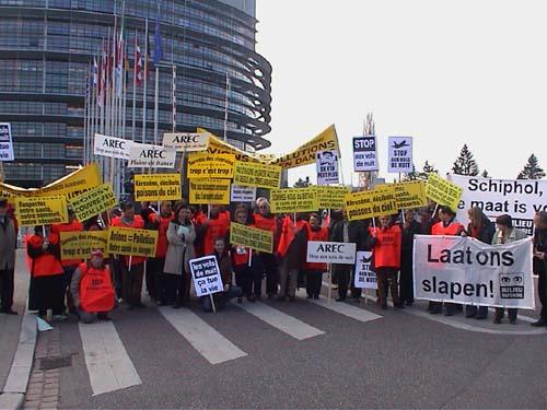 Een fotoimpressie van de demonstratie van het UECNA bij het Europees Parlement in Straatsburg.