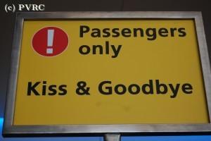 Schiphol_Kiss_Goodbye_hvs.JPG