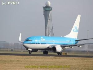 KLM-alarm over bijna- botsingen
