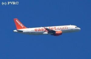 Arnold Burlage: Over plaszakken en andere vlieghinder
