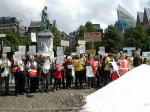 Actievoerders keren terug op Schiphol