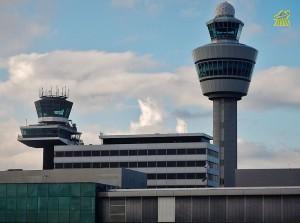 AMS_Amsterdam_Airport_Schiphol-verkeerstoren.jpg