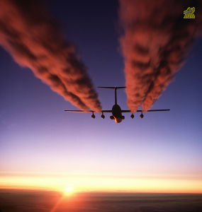 C-141_Starlifter_contrail.png